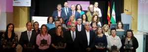 xii-premios-codapa-foto-familia editada